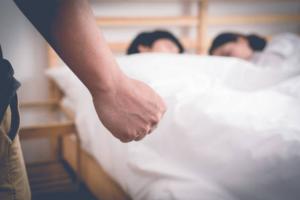 (GIẢI MÃ) Nằm mơ thấy vợ ngoại tình – 6 Trường hợp cụ thể