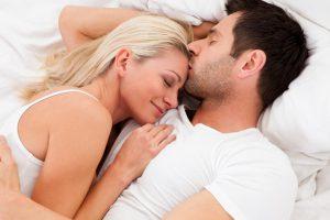 15 Biểu hiện chứng tỏ đàn ông yêu thật lòng khi quan hệ