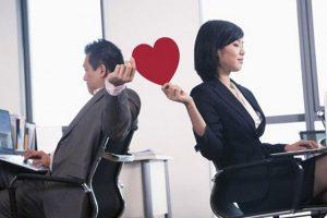 Ngoại tình công sở nên hay không? Những tác hại khó lường
