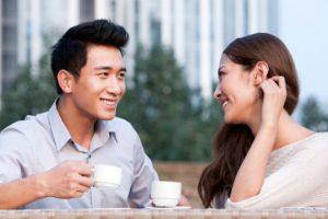 16 Biểu hiện khi con trai thích con gái dễ nhận biết