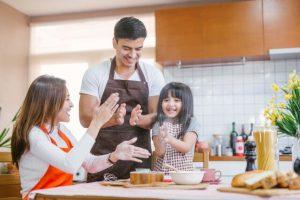 12 Cách làm vợ trở nên LÝ TƯỞNG trong mắt chồng