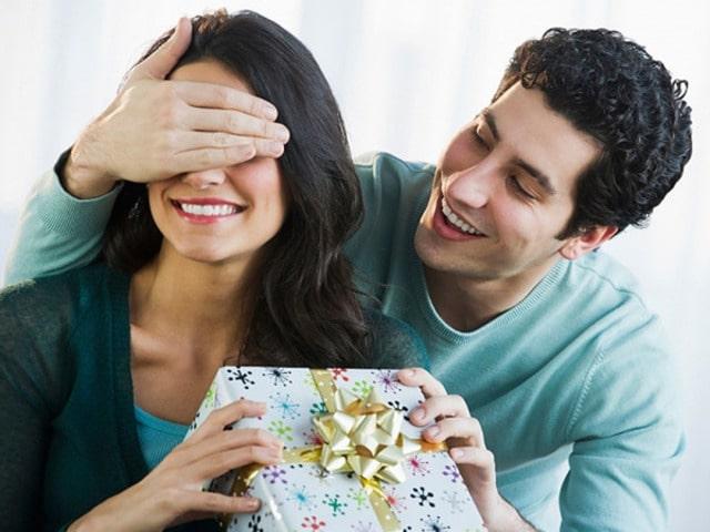 Tặng quà cho vợ không nhân dịp gì cả