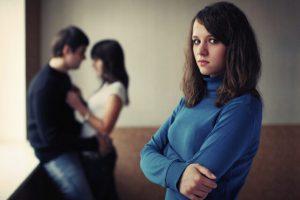 3 Cách bắt quả tang chồng ngoại tình NHANH NHẤT