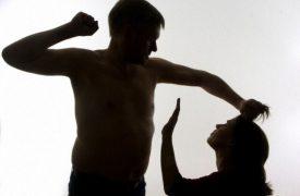 Làm gì khi bị chồng đánh? Chồng đánh vợ bị phạt như thế nào?