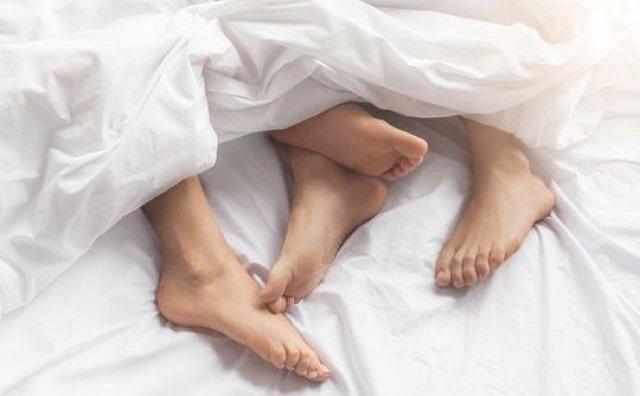 Có nên quan hệ với gái có chồng? Rủi ro khi bị phát hiện?